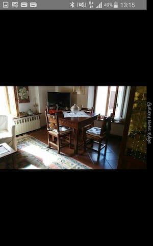 Affiscinante appartamento affittasi - Chiusi - Byt