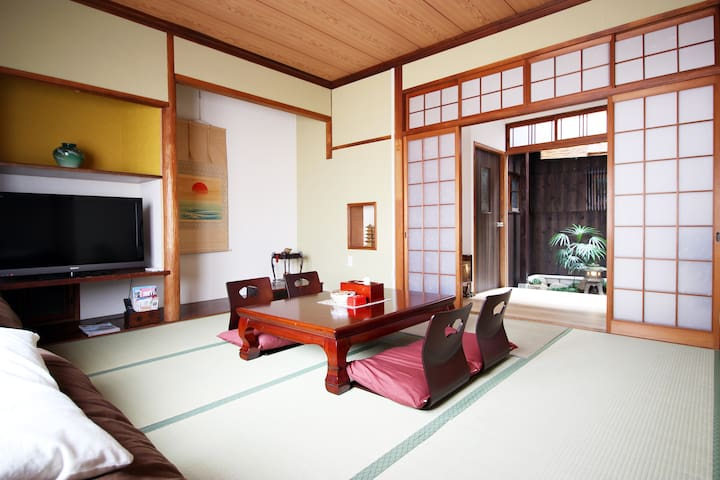 Japanese Traditional Style House in NAMBA - Chuo Ward, Osaka - บ้าน