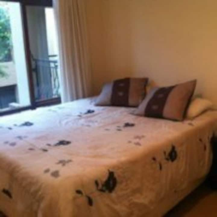Safe and secure 1 bedroom by Monte Casino