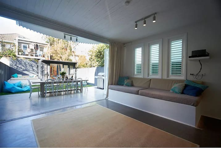 Mediterranean inspired lounge & entertaining area