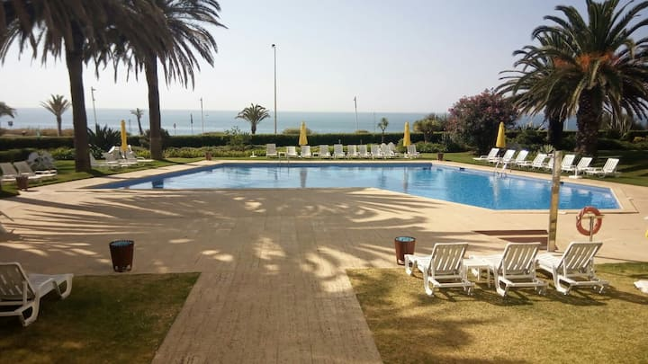 Exclusiv apartament with pool, garden and beach