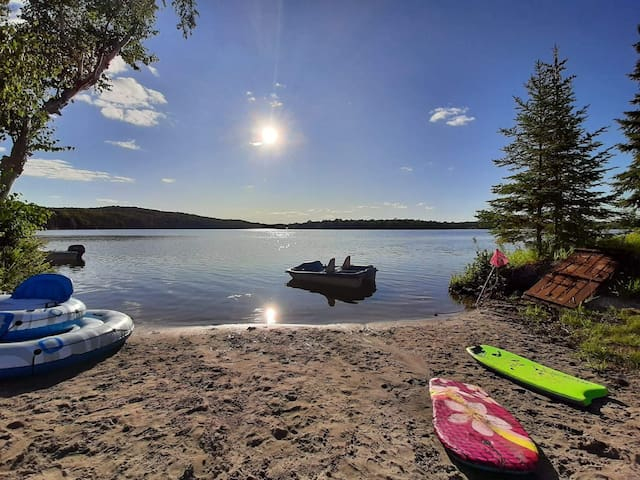 family friendly lakeside retreat