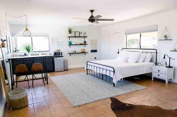 Sycamore Hill Casita on 80 acre Horse Ranch