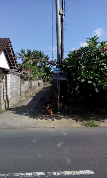 Gg Tukad Betenan, jl raya mawang kelod, Lod Tunduh, Ubud, Bali