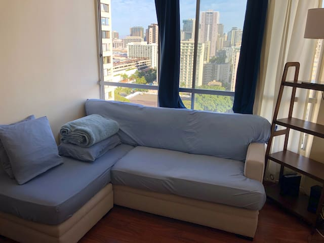 Large Couch in Waikiki- Centrally located