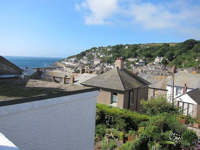 Roof terrace views over Mousehole - Mousehole - Dom