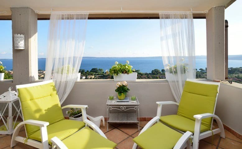 La Maison de Sophie Lakeview Apt. Pet Friendly - Trevignano Romano - 公寓