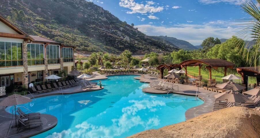 1 Br Villa Suite (584 SF) Welk Resort San Diego