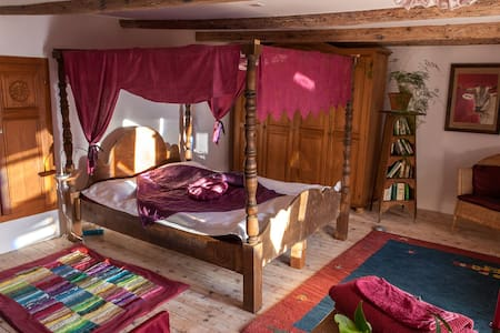 Chambre Rouge au B&B da Toldo - Bed & Breakfast