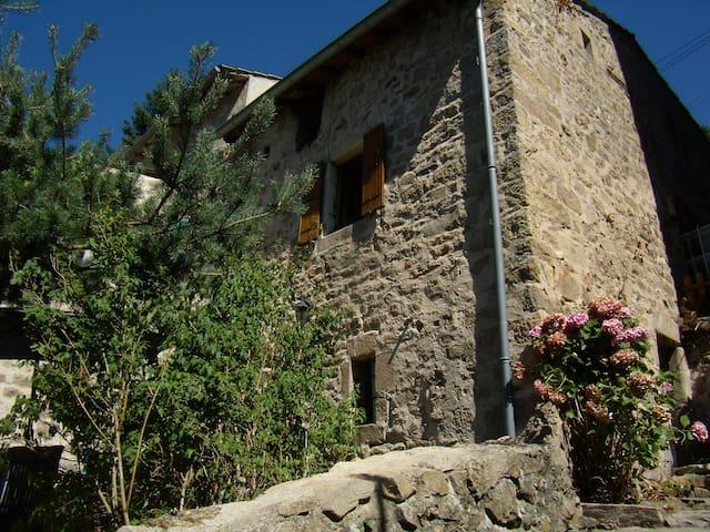 Romantisch vakantiehuis Nrd Ardeche - Chalencon