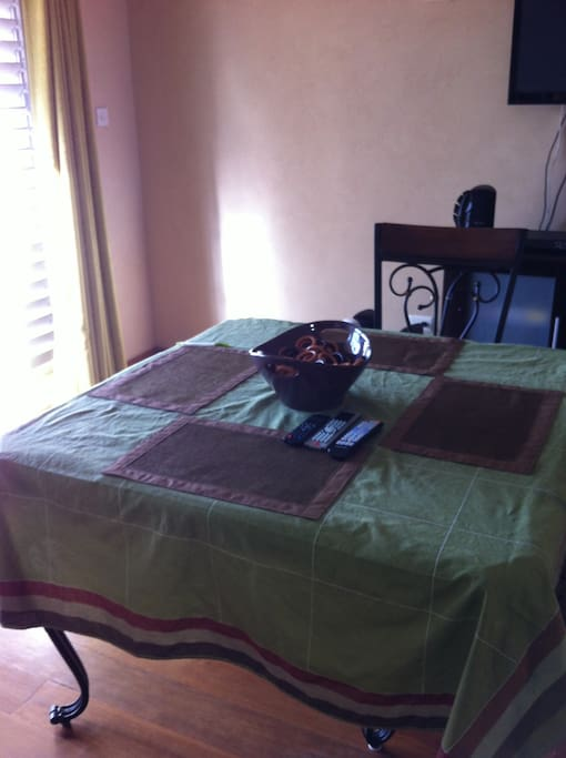 Dinning room table