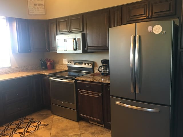 4 bedroom/2 bath Private Guest Ranch House
