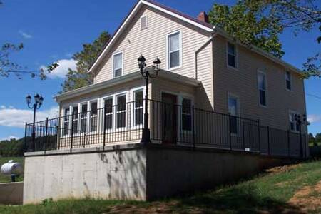 Vineyard House 5 - Ste. Genevieve