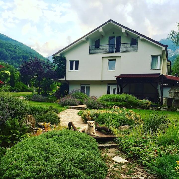 Modern Villa Nizepole Macedonie.