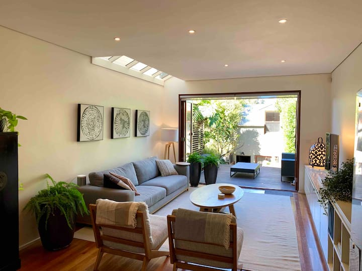 Bright and spacious house in the heart of Newtown