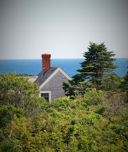 Cozy Cottage with Big Ocean View - New Shoreham