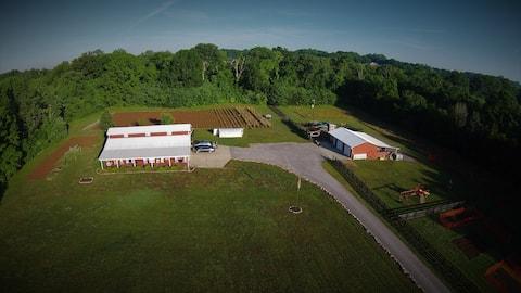 Peaceful Farm Loft Apartment in Franklin, TN