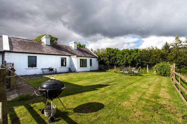 Hare Cottage - an idyllic Irish hillside retreat