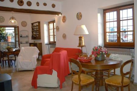 Leonardo room - fireplace,  ocean view and garden - Gênes