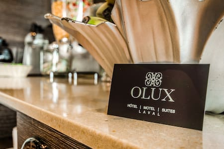 OLUX HOTEL MOTEL SUITES (DELUXE) - Laval - Bed & Breakfast
