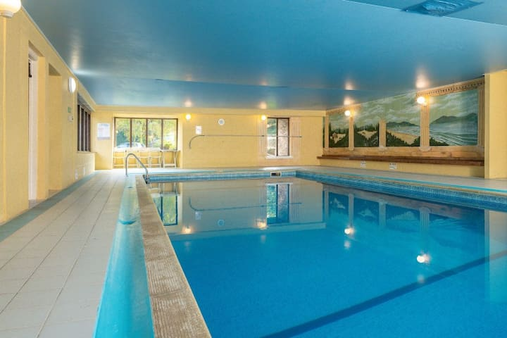 Converted barn with indoor pool near the coast.