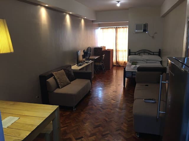 Affordable Ortigas Center Condo near ADB/Galleria - Pasig City - Huoneisto