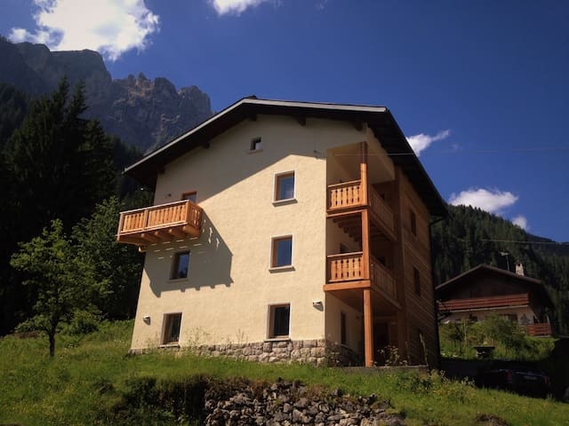 The front of Casa Alfredino with Sasso Bianco in the background.
