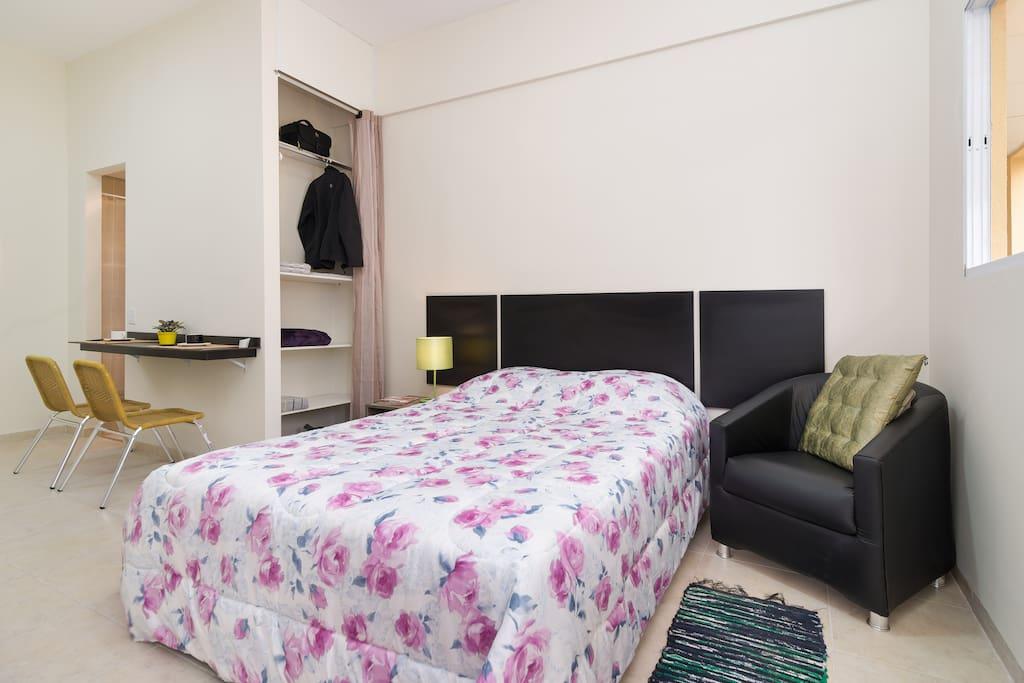 Cama de casal + armario