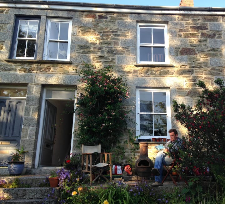 Traditional 3 bed Cornish cottage by the Helford