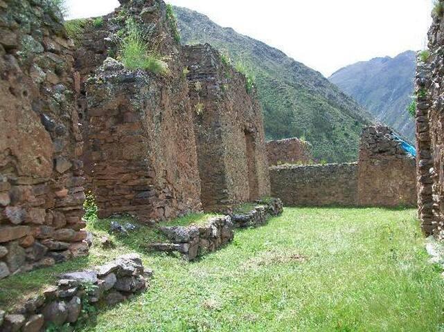 Bungalow - Above Ollantaytambo, Cusco