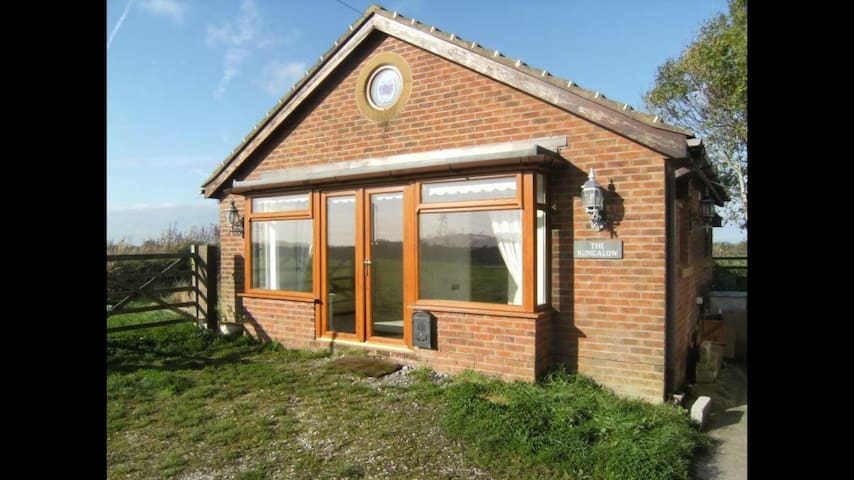 A quiet and secluded bungalow - Preston