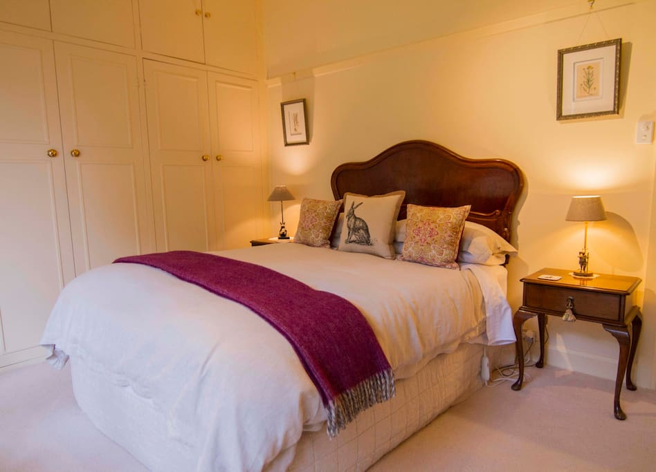 billy buttons bed and breakfast houses for rent in. Black Bedroom Furniture Sets. Home Design Ideas
