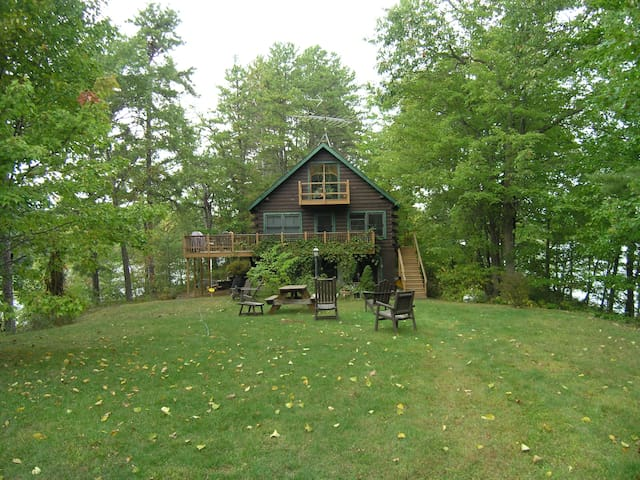 Cozy Lake Ossipee All Season Cabin - Ossipee - บ้าน