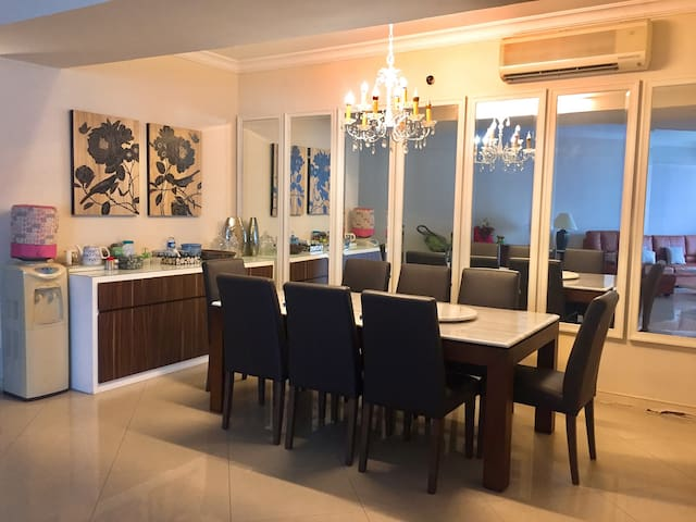 Lux Spacious Apartment within the most Hyped Malls