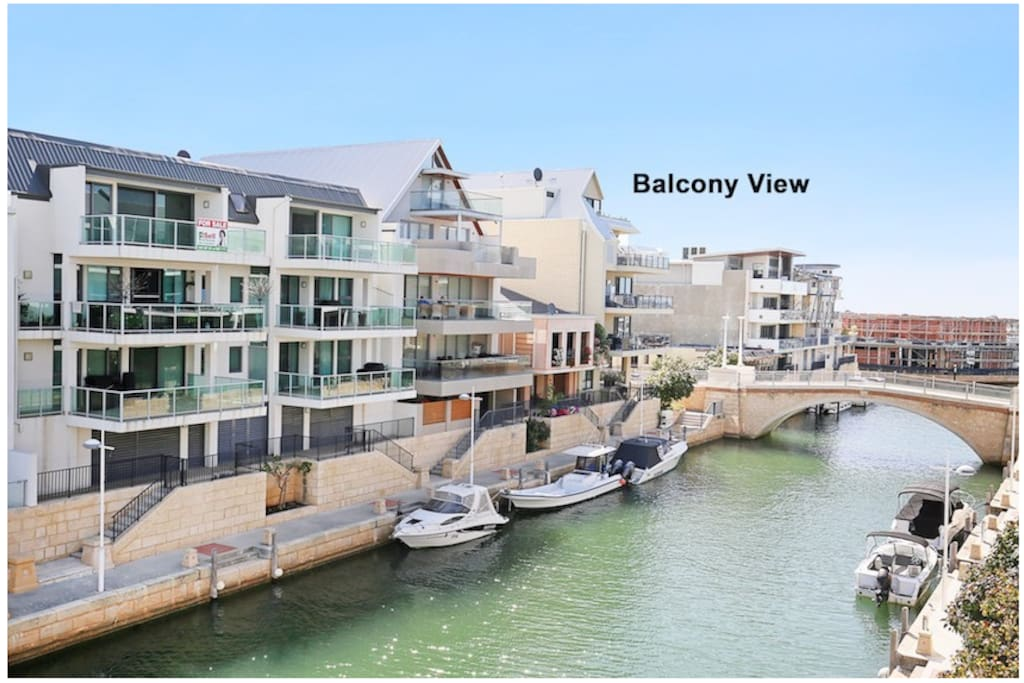 Alla Moda Mandurah Marina Holiday Rental: Waterside with two balconies and a spot for your boat.