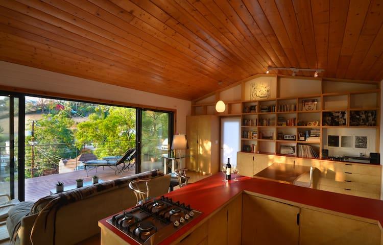 Modern Hillside Studio Amazing View
