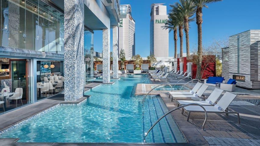 The Myriad Suite: 39th Floor Las Vegas Strip View