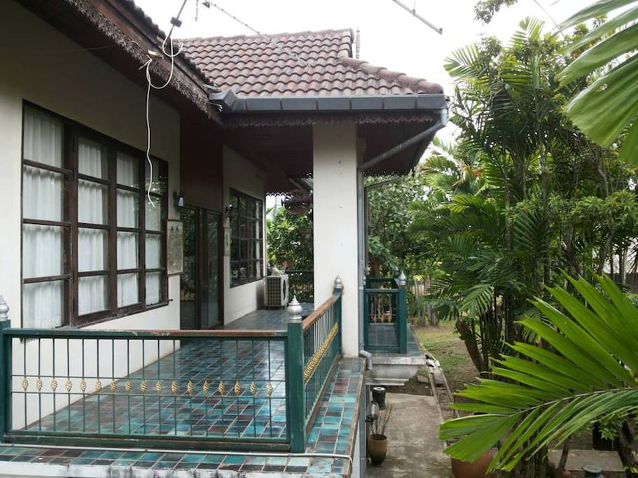 Lanna style home with swimming pool houses for rent in chiang mai chiang mai thailand for Chiang mai house for rent swimming pool