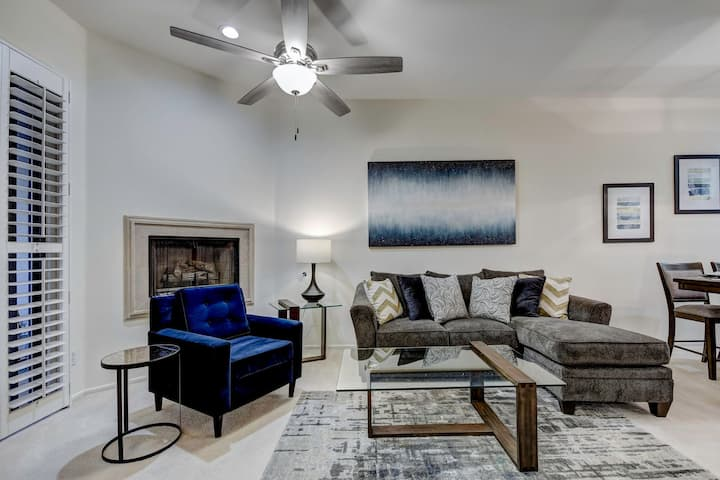SANITIZED - Central condo - Outdoor fun near beautiful lake with cycling, walking trails, and a pool - By PADZU