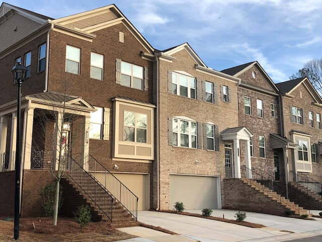 NEW 3-STORY TOWNHOME