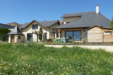 Villa contemporaine de 235m² - calvinet