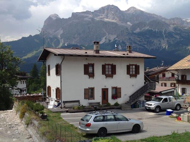 Beautiful typical style home - Cortina d'Ampezzo - Apartamento