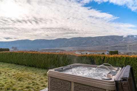 Cozy Cottage-breathtaking views w/hot tub