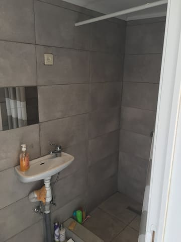 Douche et WC entièrement rénové