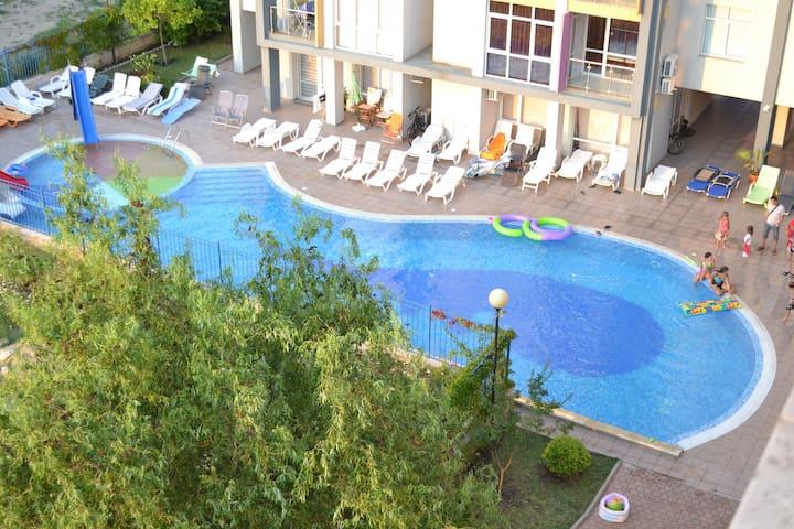 Апартамент с 1спальней,350м до моря - Солнечный берег - Apartament