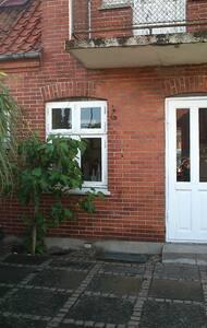 Stort hus i Marstal med gårdhave - Casa