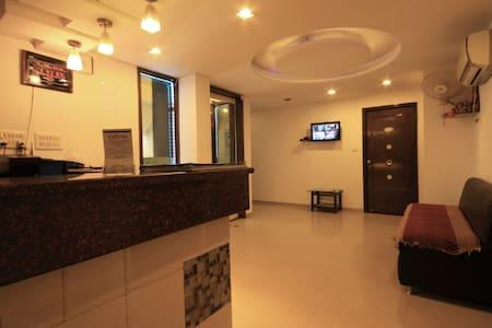 Hotel Kalash Inn - Ahmedabad - Hotel butikowy