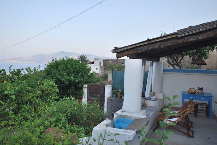 Villetta malvasia a Salina - Santa Marina Salina - บ้าน