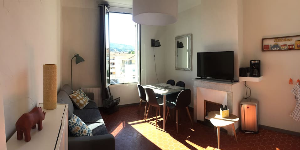 Appartement T3 plein centre, proche port