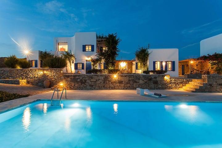 Iris Villa 5bed in Agios Lazaros Mykonos